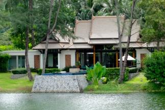 The double pool villa