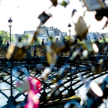 Pont des Arts viewed through the fencing