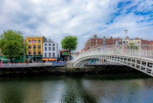 Colour colour colour! #Ha'pennybridge